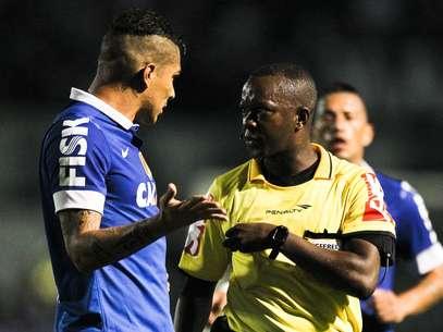 Paulo César de Oliveira será o responsável por comandar primeiro jogo Foto: Fernando Dantas / Gazeta Press