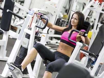 Os exercícios escalados sob medida é um dos motivos positivos da musculação Foto: Getty Images