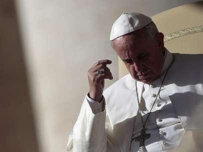 Papa Francisco durante a celebração de sua missa semanal de quarta-feira na Praça São Pedro, Vaticano Foto: Tony Gentile / Reuters