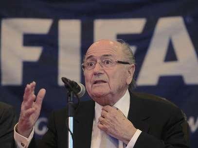 Blatter recebeu pedidos para analisar mudanças pelo bem-estar dos atletas Foto: Enrique De La Osa / Reuters