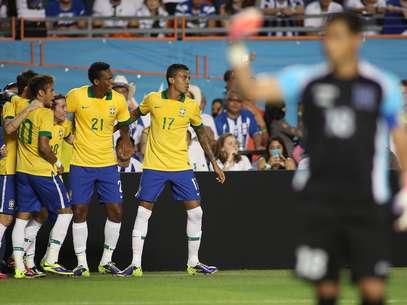 Brasil volta a entrar em campo na terça-feira para enfrentar o Chile Foto: Mowa Press