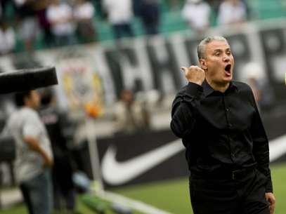 Tite comanda Corinthians em um de seus últimos jogos no cargo Foto: Bruno Santos / Terra