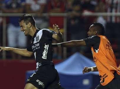 Uendel fez o terceiro gol no Morumbi e fechou vitória no Morumbi Foto: Reuters