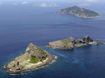 Conjunto das ilhas disputadas Uotsuri, Minamikojima e Kitakojima, conhecido como Senkaku no Japão e Diaoyu na China, no Mar Oriental da China Foto: Kyodo / Reuters