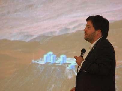 O diretor de operações do Observatório de La Silla Paranal, no Chile, Andreas Kaufer, durante Congresso Latino Americano de Astronomia realizado em Florianópolis Foto: Fabricio Escandiuzzi / Especial para Terra