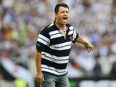 Adilson Batista quer atacantes no Vasco Foto: Daniel Ramalho / Terra