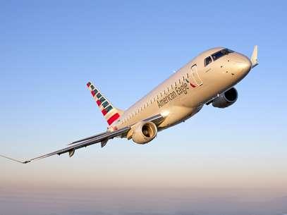 O pedido também envolve opções de compra para outras 90 aeronaves E175 Foto: Divulgação