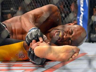Anderson tentava retomar o cinturão dos médios, que havia perdido em julho para Weidman Foto: Reuters