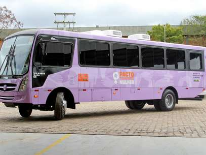 O ônibus Lilás percorre o litoral do Rio Grande do Sul para atender mulheres no combate à violência Foto: Launa Mesa/SPM/Divulgação