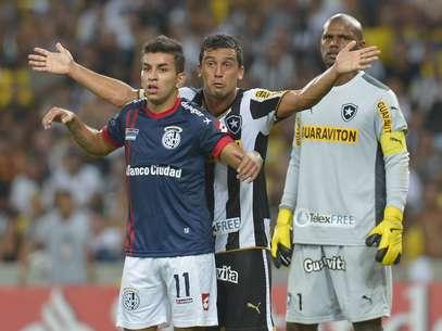Botafogo segurou pressão do San Lorenzo no segundo tempo Foto: Daniel Ramalho / Terra