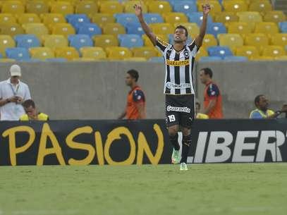 Wallyson fez o segundo gol e fechou o placar para o Botafogo Foto: Daniel Ramalho / Terra