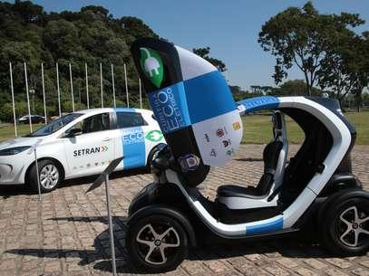 A prefeitura de Curitiba contará com cinco veículos do modelo Zoe, três Kangoo e dois Twizy. Foto: Jaelson Lucas/SMCS / Divulgação