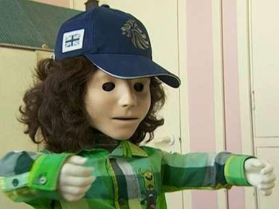 O robô Kaspar foi adotado por uma escola britânica para a comunicação de crianças autistas Foto: BBCBrasil.com