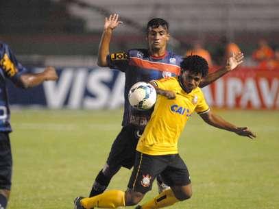 Romarinho participou de dois gols corintianos Foto: Romildo de Jesus / Agência Lance