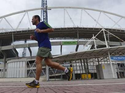 Diretoria do Botafogo espera ter o estádio de volta ainda em 2014 Foto: Daniel Ramalho / Terra