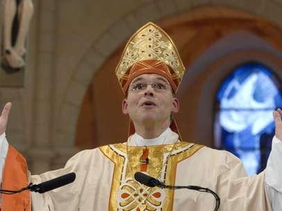 Dom Franz-Peter Tebartz-van Elst em seu discurso de posse durante um culto de adoração na Catedral deLimburgo, em20 de janeiro de 2008 Foto: Reuters