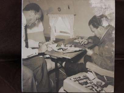 Fittipaldi guarda em casa várias fotos com o ex-presidente João Goulart Foto: Reprodução