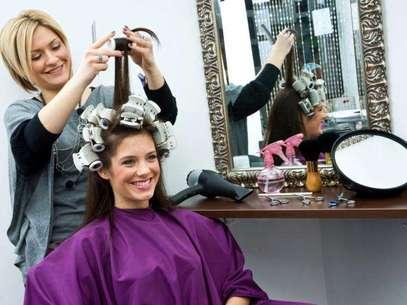 Não se desespere se o corte de cabelo não é o que você esperava. Algumas dicas podem ajudar com a insatisfação Foto: Getty Images
