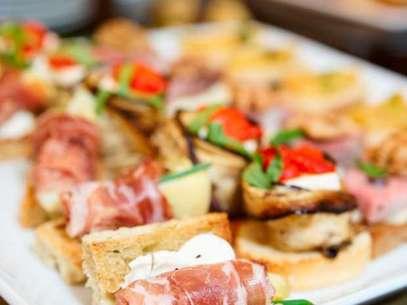 As famosas tapas espanholas são opções gastronômicas em diversos restaurantes da capital paulista Foto: Getty Images