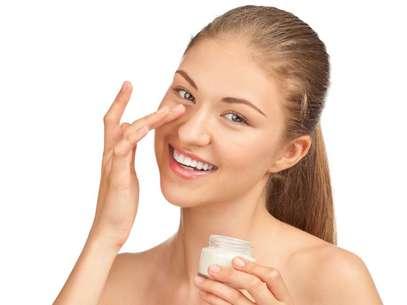 Solução para quem tem pavor de agulhas, toxina botulínica em forma de creme promete eliminar rugas ao redor dos olhos e ainda revigorar instantaneamente a cútis Foto: Shutterstock