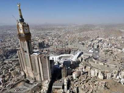 O maior relógio do mundo está em Meca, na Arábia Saudita Foto: Getty Images
