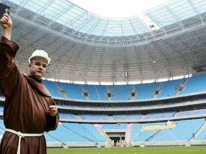 Arena do Grêmio recebeu água benta e Terra Santa nesta sexta-feira Foto: Wesley Santos/Press Digital / Divulgação