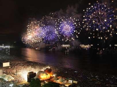 O Rio de Janeiro está entre as 10 cidades com as melhores festas de virada de ano, segundo o site de turismo Foto: Marizilda Cruppe/Riotur