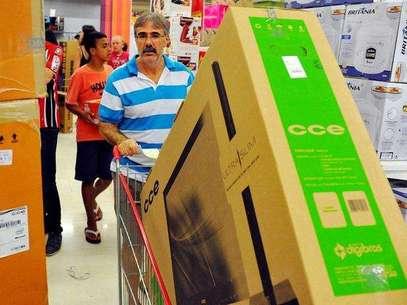 Brasileiros aproveitam o Black Friday e vão às compras Foto: Edson Lopes Jr./Terra