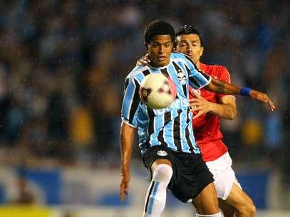 Promessa gremista foi envolvida na negociação de Hernán Barcos Foto: Lucas Uebel/Grêmio FBPA / Divulgação