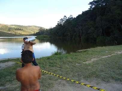 Já no domingo, outra pessoa morreu afogada na lagoa; quando o Samu chegou ao local, o rapaz já estava sem vida Foto: Guilherme Lion / vc repórter