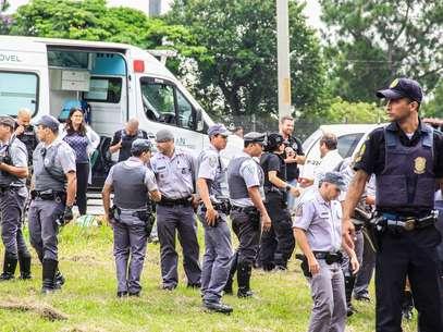 Perseguição policial terminou na altura do km 16 da via Anchieta, em São Bernardo do Campo Foto: Roberto Nisi / vc repórter