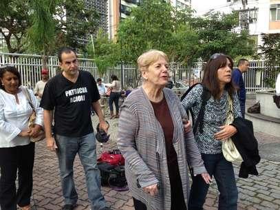 Familiares de Patrícia Accioli chegam para acompanhar o julgamento de um dos PMs acusados pela morte da juíza Foto: André Naddeo / Terra