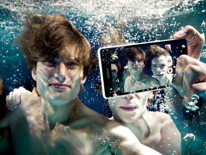 Aparelho pode ficar até 30 minutos debaixo da água Foto: Divulgação