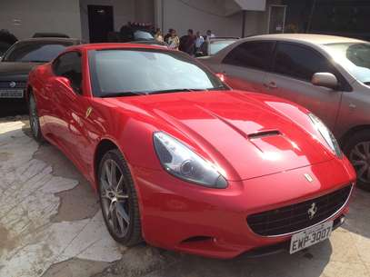 Uma Ferrari foi apreendida na casa onde o espanhol morava Foto: PF / Divulgação