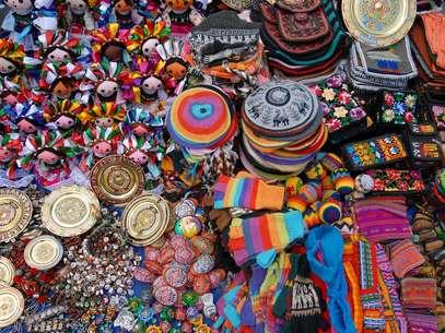 Nas ruas da Cidade do México é possível encontrar de tudo, desde marcas internacionais famosas até peças típicas do artesanato local Foto: Shutterstock