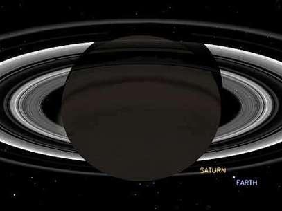 Simulação mostra como deve ser a vista da Cassini ao fazer o registro da Terra a partir de Saturno Foto: Nasa/JPL-Caltech / Divulgação