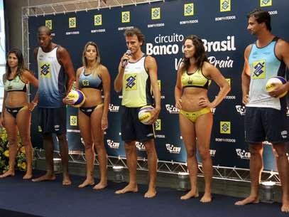 Uniformes dos atletas foram redesenhados para o Circuito Brasileiro Foto: Alexandre Arruda/ CBV / Divulgação