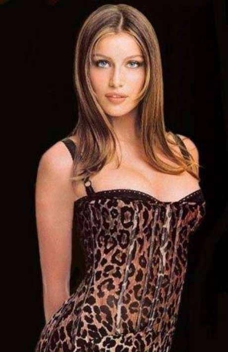 Bellas modelos  de L'Oréal Paris se alistan para Cannes