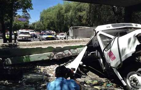 El Delegado en Azcapotzalco, Enrique Vargas, publicó en su cuenta de Twitter una foto del percance.