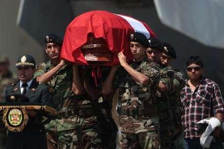 Llegada del cuerpo del suboficial PNP, César Vilca.