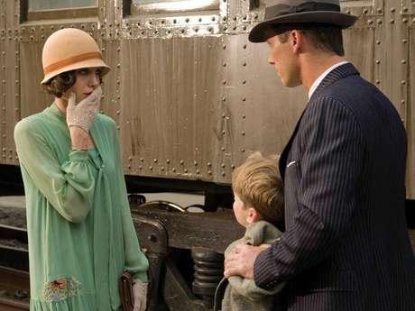 """""""El sustituto"""" (2008). Con la actuación de Angelina Jolie y bajo la dirección de Clint eastwood, esta cinta cuenta la historia real de una madre a la que las autoridades pretenden engañar con la identidad de su hijo."""