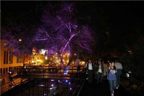 """Los limeños celebraron """"La Noche en Blanco"""" y el principal punto de reunión fue el Parque Kennedy de Miraflores.  Arte, música y diversión tomaron por asalto las calles de este distrito hasta la madrugada."""