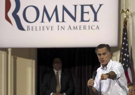 ARCHIVO - En esta foto de archivo del 16 de mayo del 2012 el aspirante a la candidatura presidencial republicana Mitt Romney habla en St. Petersburg, Florida. Romney se apoderó de todos los delegados en Kentucky y Arkansas y recibió más apoyo de dirigentes del partito, lo que lo puso en el umbral de la candidatura presidencial republicana para las elecciones de noviembre