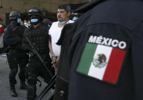 Su rápida expansión ha desplazado a bandas de narcotraficantes mexicanos más antiguas en muchas áreas, dándole a los Zetas una posición dominante en el multimillonario negocio del tráfico transfronterizo de drogas, así como también en la extorsión, el secuestro y otras actividades criminales.