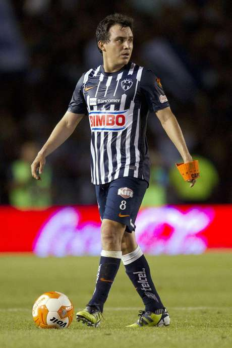 Luis Pérez termina su ciclo con Monterrey y va como flamante refuerzo de Chivas.