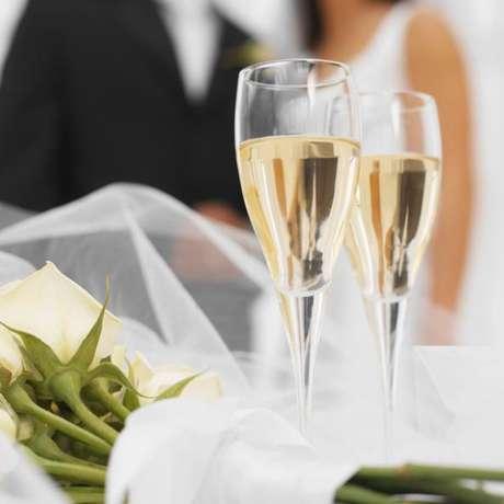 Foto: Mujer busca hacer un trío en su noche de bodas.