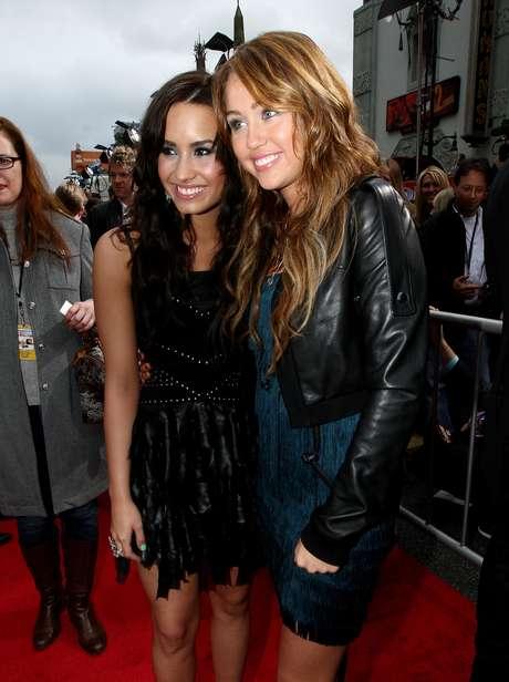 Demi Lovato es una de las opcionadas para ser dama de honor en la boda de Miley.