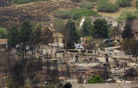 El incendio forestal más destructivo de la historia del estado de Colorado, en el centro de Estados Unidos, ha sido ya contenido en un 55 por ciento, aunque todavía afecta a 7.219 hectáreas, informaron hoy las autoridades.