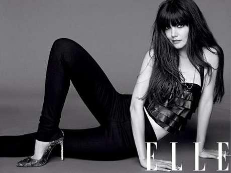 Katie Holmes posou com roupas sexy para a revista Foto: Divulgação