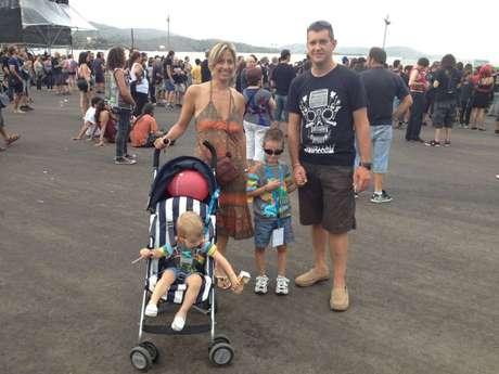 Una familia en Costa de Fuego